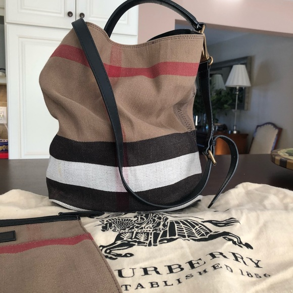 e70b1be6c058cd Burberry Handbags - Burberry canvas bucket bag